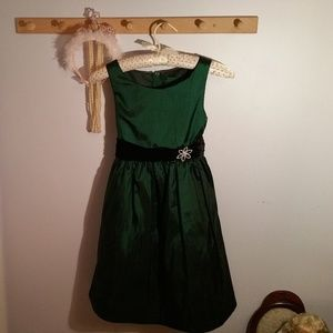 Other - Size 8 Formal Emerald Green Black Jeweled Dress